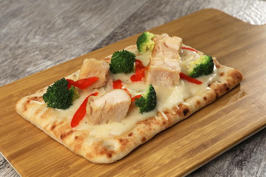 Alfredo Chicken Flatbread Pizza